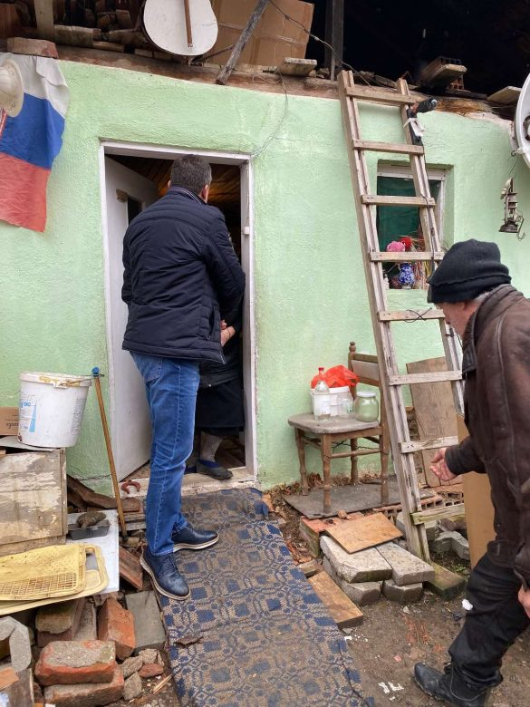 Тодосијевић уручио шпорет на дрва 90 – огодишњој Стани Марковић