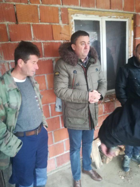 Тодосијевић обишао засеоке и поделио помоћ мештанима
