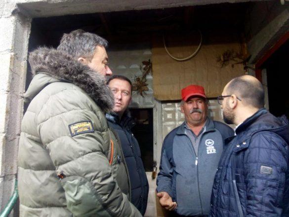 Ranđelović i Todosijević u poseti socijalno ugroženim porodicama na području Opštine Zvečan