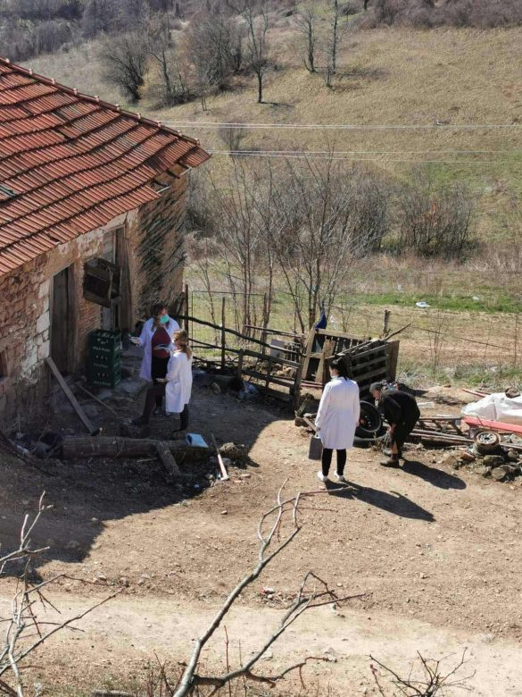 Кризни штаб Општине Звечан: Волонтери кренули са доставом потрепштина лицима старијим од 65 година