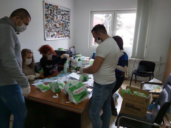 Кризни штаб: Бројеви телефона за грађане, волонтери свакодневно на терену