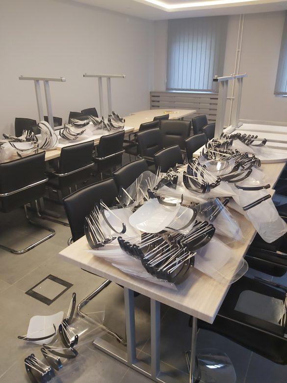 Нема новооболелих, допремљени лекови за 178 лица, обезбеђено 300 визира за Дом здравља Звечан