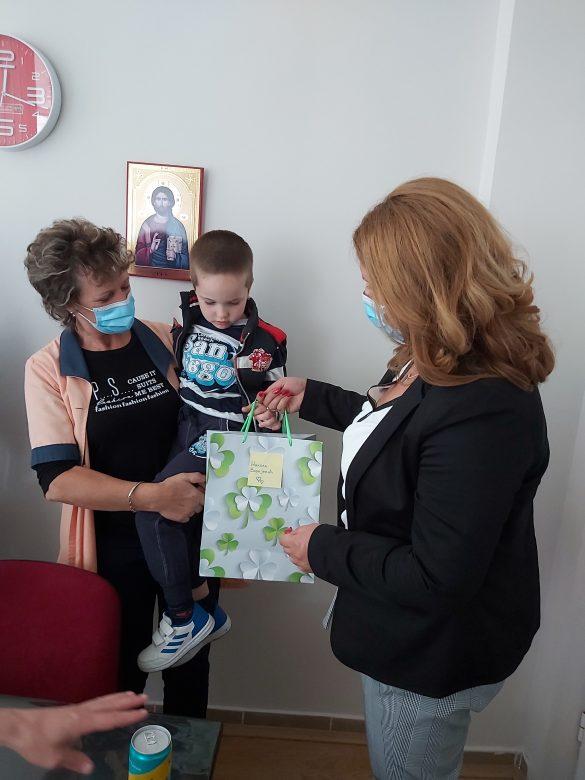 Тодосијевић обезбедио 13 таблет рачунара за децу са сметњама у развоју на територији општине Звечан